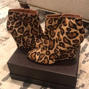 SAM EDELMAN WILMA CHEETAH WEDGE BOOTIE SIZE 9